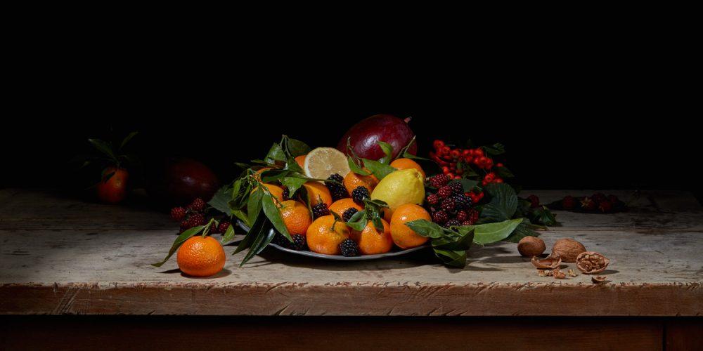 Green_leaves_Orange_fruits_100245-1